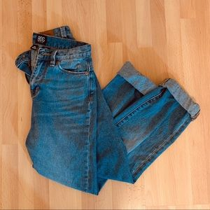 BDG high rise mom jeans urban outfitters 25